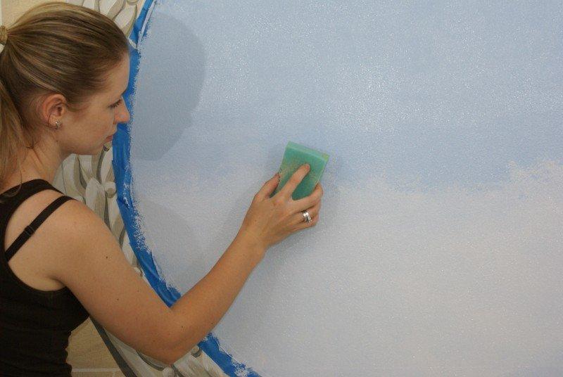 Как наносить акриловую краску на дерево