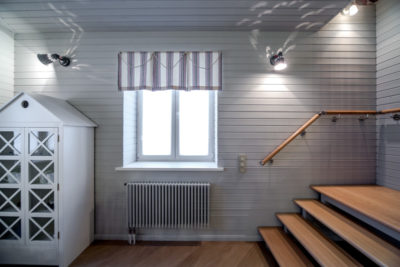 как покрасить вагонку внутри дома