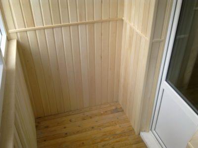 как обшить балкон вагонкой