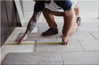 как класть плитку на бетон