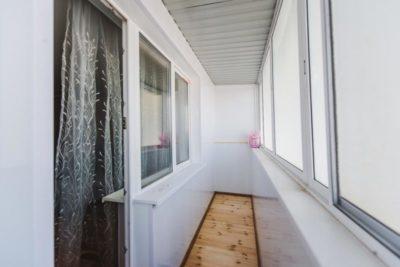 как утеплить панорамный балкон