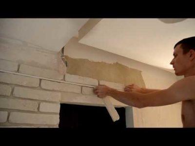 как клеить декоративные кирпичики на стену