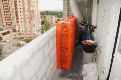 что такое парапет балкона