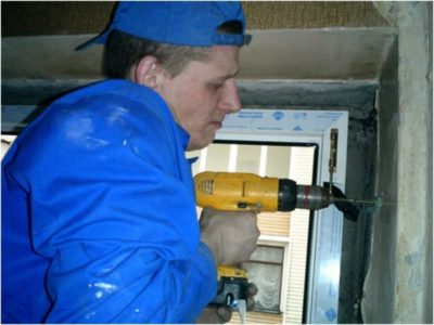 как поставить пластиковое окно в кирпичном доме