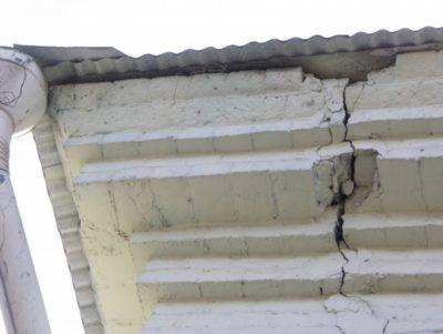 как заделать трещину в стене кирпичного дома