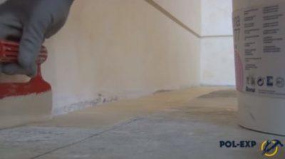 на что приклеить ламинат к бетону