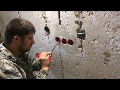 как установить подрозетник в кирпичную стену