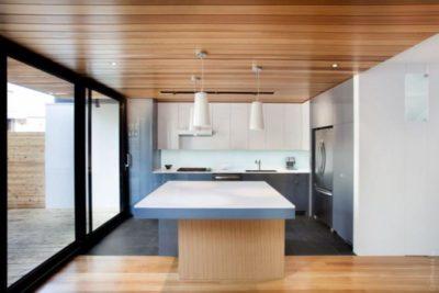 какой сделать потолок в деревянном доме