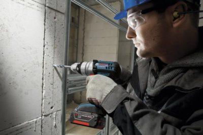 как просверлить отверстие в бетоне дрелью