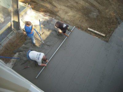 как обеспылить бетонный пол