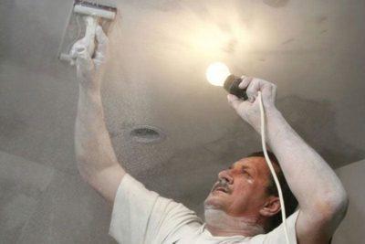 как исправить потолок после покраски водоэмульсионной