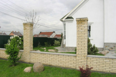 как сделать забор из кирпича