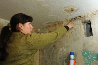 мокрые стены в доме что делать